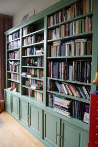 Boekenkast-op-maat-Dordrecht-ingericht-scaled
